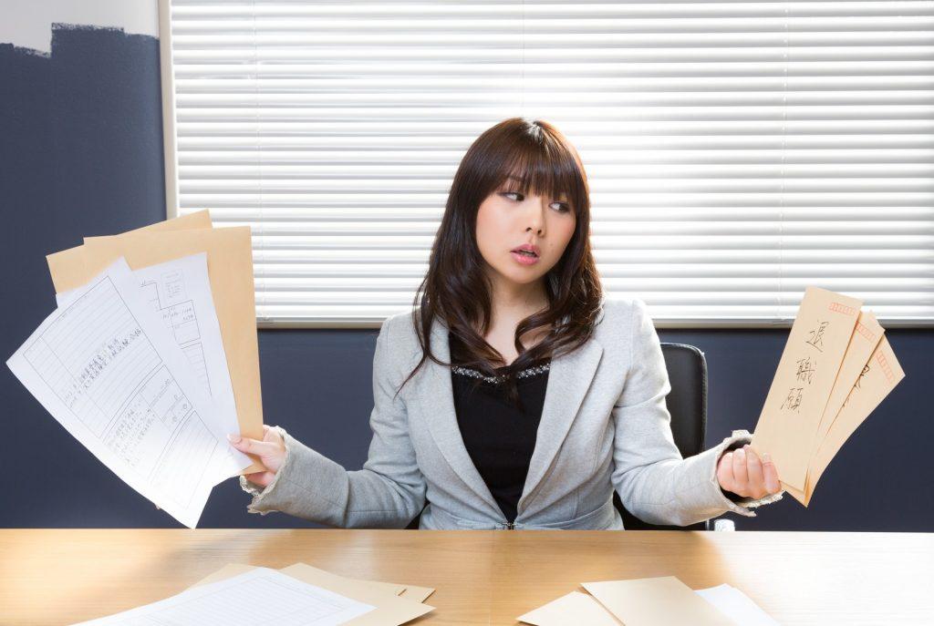 就活前に必読!ビジネスアイテム【アクセサリー】の選び方を、男女別にご紹介!